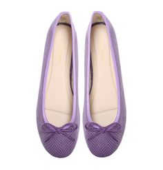 Summer Grape Marchas are made with purple synthetic uppers with Marcha printed lining and a nude polyurethane insole. They offer a modern feminine look while still being exceptionally comfortable. Ballerina Shoes, Cute Woman, Feminine, Purple, Lady, Box, Women, Fashion, Walking Gear