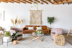 Get inspired by Bohemian Living Room Design photo by AllModern. AllModern lets you find the designer products in the photo and get ideas from thousands of other Bohemian Living Room Design photos. Décor Boho, Bohemian Decor, Hippie Bohemian, Boho Chic, Boho Style, Shabby Chic, Boho Living Room, Living Room Decor, Bohemian Living