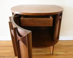 Innovative Demilune Table For House Table Accent: Wooden Kent Coffey Perspecta Demilune Table Idea Plywood Furniture, Home Furniture, Mid Century Modern Decor, Midcentury Modern, Demilune Table, Modern Side Table, Lounge, End Tables, Bedside Tables