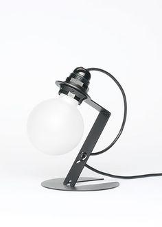 Great lamp: Lamp No.1 ° – es Ermert Schäfer: http://www.es-ermert-schaefer.de/products/die-neue-lampe-no.-01.html