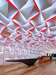 Forro Inspirado em Origami. Arquiteto: Sid Lee Architecture e Aedifica. Fotógrafo: Stéphane Brugger.