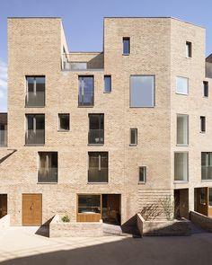 Brentford Lock West / Mikhail Riches Ltd - Photography: Mark Hadden Brick Architecture, London Architecture, Residential Architecture, Architecture Colleges, Landscape Architecture, Building Exterior, Building Facade, Brentford, Brick Facade