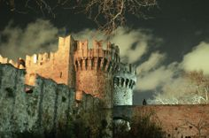 Medieval Town, Medieval Castle, Time Of The Year, Greece Travel, Rhode Island, Beautiful World, Moonlight, Past, History