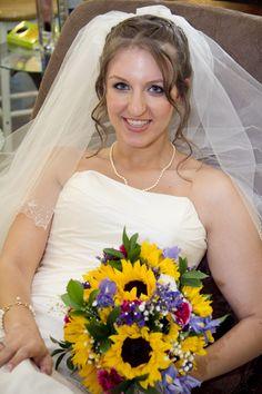 sunflower wedding bouquet- beautiful!