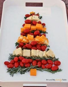 Cheese & Veggie [could use red grapes too] Christmas Tree #healthy #appetizer