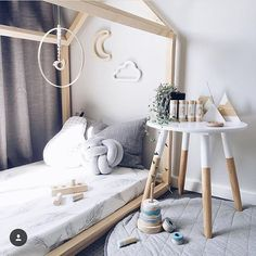 NAP | Loving this amazing cozy space might take myself there for a nap right now Gorgeous playroom by @liss.and.arlo with our quilted grey mat looking right at home. Style love! #grey #neutral #unisex #playroom #kids #roominspo #love #misterflykids