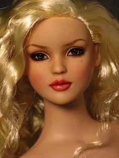Brown-eyed Girl, A Cinderella Repaint Wavy Hair, Blonde Hair, Brown Eyed Girls, Pink Lips, Brown Eyes, Girly Things, Cinderella, Barbie Dolls, Poppy