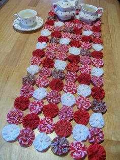 Peppermint Christmas White Red YoYo Table Runner 45.00