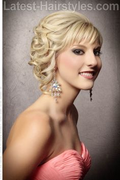 Every bride wants to look perfect on her wedding day. Apart from the gorgeous long wedding dresses, a great hairstyle would also be an essential part for the bride to look glamorous. Grecian Hairstyles, Evening Hairstyles, Latest Hairstyles, Wedding Hairstyles, Gorgeous Hairstyles, Hair Styles 2014, Medium Hair Styles, Curly Hair Styles, Elegant Wedding Hair