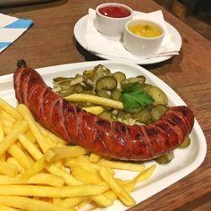 Kto by się tam przejmował jakąś dietą  #food #bierhalle