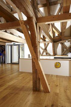 Offenes fenster holz  offenes Wohnzimmer, Holzhaus, Holz, Wohnzimmer, hell, puristisch ...