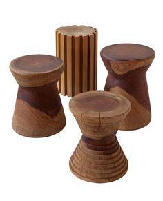 table made of wood logs reused. Toras by Fernando Jaeger