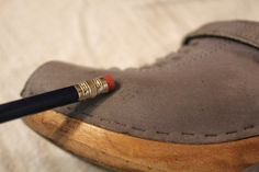 easy way to clean suede shoes.. love it