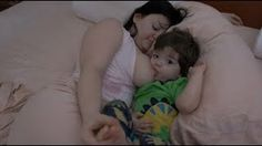 #MAMA #BREASTFEEDING A TODDLER IN A #FAMILY #BED !