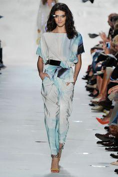MTV Style | Diane Von Furstenberg Showcases Google Glass On Spring 2013 Runway