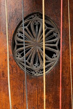 viola da gamba-b Anonymouos German Museum, musical instruments, instrument collection, viol, violin, viola, violoncello, viola da gamba, viola d'amore, double bass, violone, harpsichord, spinet, Renaissance music, Baroque music, Classical music, Baroque orchestra, viol consort, musica antigua, Orpheon, Orpheon Foundation, Jose Vazquez, José Vázquez, Haydn, Lidl, Marin Marais, Johann Sebastian Bach, playmate of the month