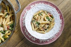 This one-pot chicken and spinach pasta dinner recipe is especially helpful on a busy weeknights.