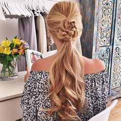 Ponytail Hairstyles for Summer In 2020 Wedding Hairstyles Summer Ponytail Hairstyle From Luxy Hair Blond Hairstyles, Long Ponytail Hairstyles, Classy Hairstyles, Latest Hairstyles, Summer Hairstyles, Pretty Hairstyles, Wedding Hairstyles, Wavy Ponytail, Ponytail Ideas