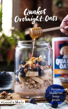 With three easy steps you can make a delicious, hearty, make-ahead breakfast that will give you a few extra snooze minutes in the morning. Add Quaker® Old Fashioned Oats and milk to the jar of your choice and layer ingredients. Top Blueberry Banana Pecan Overnight Oats with honey for a touch of sweetness.