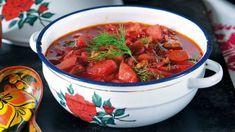 Červená řepa je takový malý zázrak! Nejenže na sebe dokáže strhnout pozornost díky své nepřehlédnutelné barvě a má výtečnou chuť, ale navíc je přímo nabitá zdraví prospěšnými látkami a jako bonus je pořád velmi levná :) Dieta Detox, Chili, Soup, Beef, Vegetables, Recipes, Czech Republic, Meat, Chilis