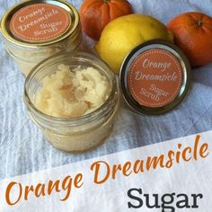 Orange Dreamsicle Sugar Scrub (With Free Printable Label) - Odds & Evans This homemade orange creamsicle sugar scrub will leave your skin energized and soft. Makes a great gift for yourself or others with my free printable label! Sugar Scrub Homemade, Sugar Scrub Recipe, Homemade Vanilla, Diy Body Scrub, Diy Scrub, Printable Labels, Free Printable, Printables, Vanilla Sugar Scrubs