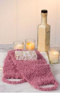 Knit Back Scrubber - this free knitting pattern is simply incredible. Bath time won't be the same without it.