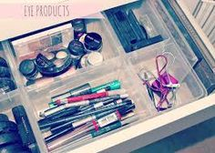 Makeup collection and storage, Antonius basket inserts. Makeup collection and storage, Antonius basket inserts. Makeup Storage Desk, Makeup Storage Baskets, Kids Storage Baskets, Diy Shoe Storage, Diy Makeup Vanity, Make Up Storage, Makeup Organization, Storage Ideas, Beauty Vanity