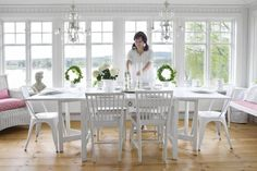 Like the general style, windows, floor Sunroom Dining, Cottage Dining Rooms, Dining Nook, Dining Room Inspiration, Interior Inspiration, New England Cottage, Glass Porch, Swedish Decor, Sunroom Decorating