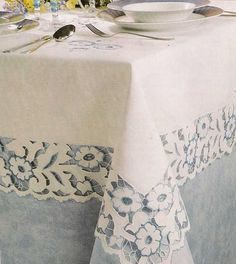 Tablecloth Design Cutwork Embroidery, Vintage Embroidery, Linen Tablecloth, Table Linens, Tablecloths, Lace Beadwork, Cut Work, Quilted Table Runners, Linens And Lace