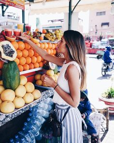 Aanna greer lifestyle nutrition :: a few observations blo Summer Vibes, Poses, One Photo, Foto Fashion, Look Boho, Paris Mode, Boys Over Flowers, Inspiration Mode, Color Inspiration