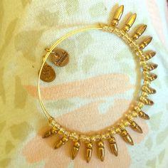Alex & Ani spine of confidence gold tone bracelet Expandable emulates fierce & raw energy metallic daze w/ light lavender beads Alex & Ani Jewelry Bracelets
