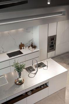 SieMatic PURE in lotus white, inox worktop, appliances Gaggenau Kitchen Room Design, Kitchen Dinning, Modern Kitchen Design, Home Decor Kitchen, Kitchen Interior, Home Kitchens, Küchen Design, House Design, Design Ideas