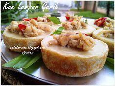 KUE LUMPUR GURIH - catatan-nina Indonesian Desserts, Indonesian Food, Indonesian Recipes, Resep Cake, Western Food, Ramadan Recipes, Snack Box, Exotic Food, Coffee Cake
