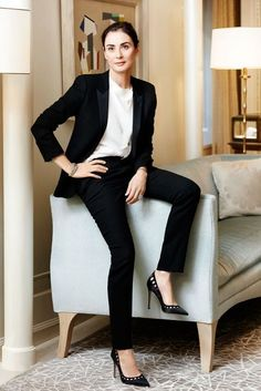 italian vanity fair, Francesca Amfitheatrof, tiffany's, suit, heels, cutout, living room, clean, fashion, professional, jewelry, lapels, modern, classic