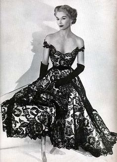 Hattie Carnegie dress 1951 More
