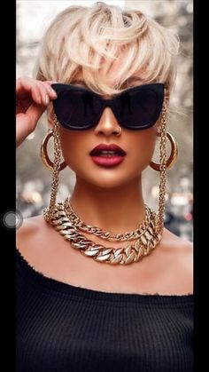 shared by Buchwald Jewelers Miami, the Diamond Store since 1932 Cute Short Natural Hairstyles, Pixie Hairstyles, Natural Hair Styles, Hair Inspo, Hair Inspiration, New Hair Do, Shot Hair Styles, Hair Color Balayage, Hair Today