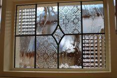 画像3: 室内窓FIXタイプ 神奈川県 確田様 (3) Leadlight Windows, Glass Panels, Stained Glass, Glass Design, Stained Glass Projects, Glass Blocks, Home Decor, Glass Door, Stained Glass Panels