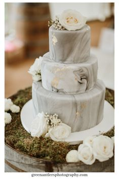 Marble wedding cake grey - # Check more at kuchen. - Marble wedding cake grey – # Check more at kuchen.c… Best Picture For wedding favor - Black Wedding Cakes, Beautiful Wedding Cakes, Perfect Wedding, Cake Wedding, Wedding Shoes, Wedding Rings, Wedding Cake Cupcakes, Unusual Wedding Cakes, Wedding Dresses