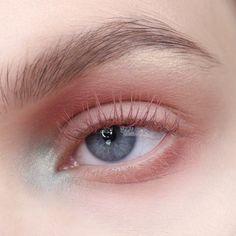 eye makeup tips to do eye makeup makeup to apply eye makeup makeup for small eyes makeup zodiac chart makeup and pink eye makeup on red dress Makeup Goals, Makeup Hacks, Makeup Inspo, Makeup Inspiration, Beauty Makeup, Hair Makeup, Makeup Blush, Makeup Ideas, Dewy Makeup