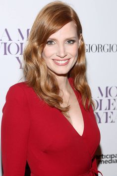 How to get Jessica Chastain's pearlescent lids, here: