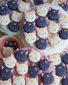 ARTE COM QUIANE - Paps e Moldes de Artesanato : Inspiração comidinhas em Biscuit 🍫 🍬 🍭 🥯 kuchen ostern rezepte torten cakes desserts recipes baking baking baking Macaroons, Macaron Cookies, Dessert Kawaii, Sailor Moon Birthday, Sailor Moon Party, Luna And Artemis, Cute Baking, Cafe Food, Cute Cakes