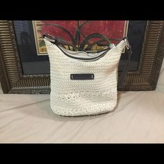 Frankie & Johnnie Cream Purse. 😜 Check out this great small purse by Frankie & Johnnie.  So cute!  Dimensions  8.5x6. It's a cream color and it good condition! Frankie & Johnnie Bags