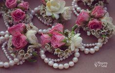 Flowers of Soul: Bratari cu flori Design Floral, Floral Wreath, Wreaths, Flowers, Decor, Decoration, Florals, Decorating, Deco