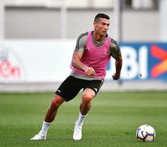 Cristiano Ronaldo, cr7 World Best Football Player, Football Players, Ronaldo Free Kick, Cristiano Ronaldo 7, Juventus Fc, Neymar Jr, Fc Barcelona, Fitness Motivation, Abs