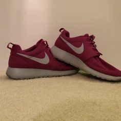 Pink/purple women's roshes Worn about 4 times, like new. Women's size 8, true to size. Buy today, ships within 48 hours. Guaranteed gone in 2 weeks, MAKE AN OFFER THROUGH OFFER BUTTON! Nike Shoes