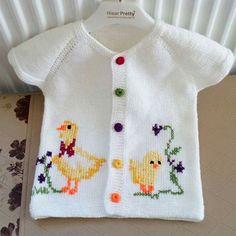 #anne.orguleri #yelekmodelleri #örgüler #knittinglove #battaniye #handmade #örgümüseviyorum😊🍃🌼🍃🌺🍃🌹 #nakoileörüyorum #siparişalınır💕💕🎀🎀🎁🎁💕💕 Baby Vest, Baby Cardigan, Baby Knitting Patterns, Baby Patterns, Knitting Stitches, Girl Dress Patterns, Crochet For Kids, Crochet Baby, Baby Sweaters