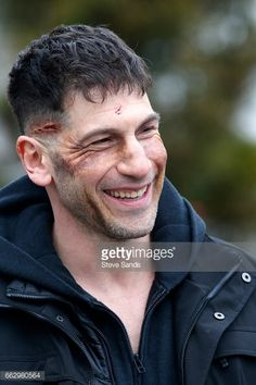 Jon Bernthal on the set - The Punisher series Defenders Marvel, Punisher Marvel, Marvel Dc, Marvel Comics, Marvel's Daredevil, Marvel Series, Jessica Jones, Fantasy Movies, Comic Movies