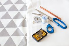 Sewing Toys We sew a basket for toys with our own hands Easy Sewing Projects, Craft Tutorials, Sewing Crafts, Sewing Ideas, Fabric Storage Bins, Kids Storage, Fabric Decor, Fabric Crafts, Craft Patterns