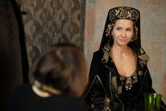 Medieval Fashion, Period Dramas, The Crown, Historical Clothing, Film Movie, Tv Series, Celebs, King, Historia