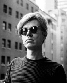 La artista- Andy Warhol ㊗️ART AND IDEAS : More At FOSTERGINGER @ Pinterest  ㊙️㊗️